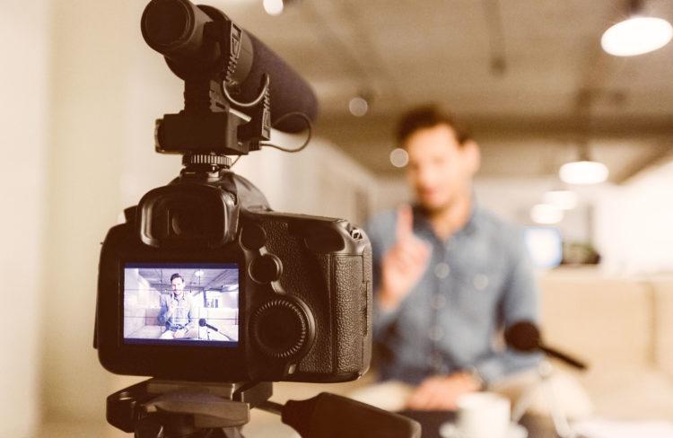 Effektive und zeitgemäße Wissensvermittlung über neue digitale Medien