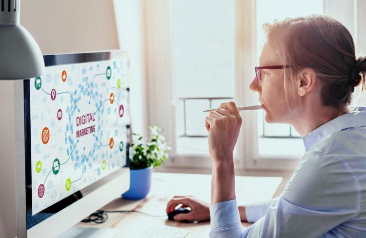 Increase of digital range using social media and influencer
