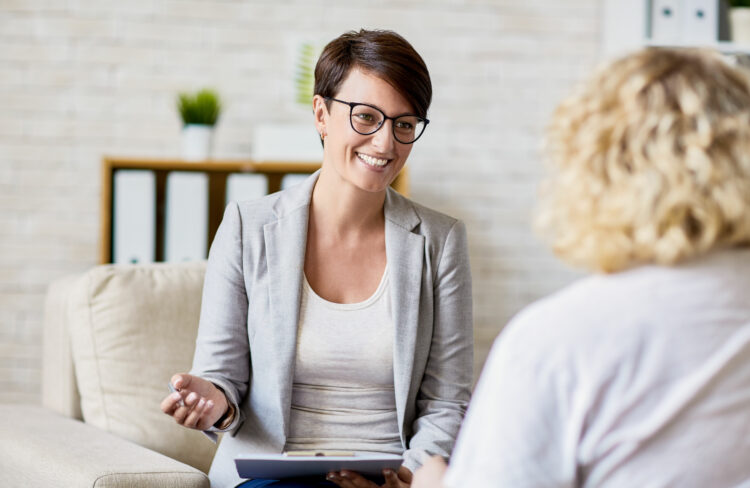 Empathic support at home when starting therapy